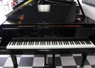 Purchasing the bestused grand pianos