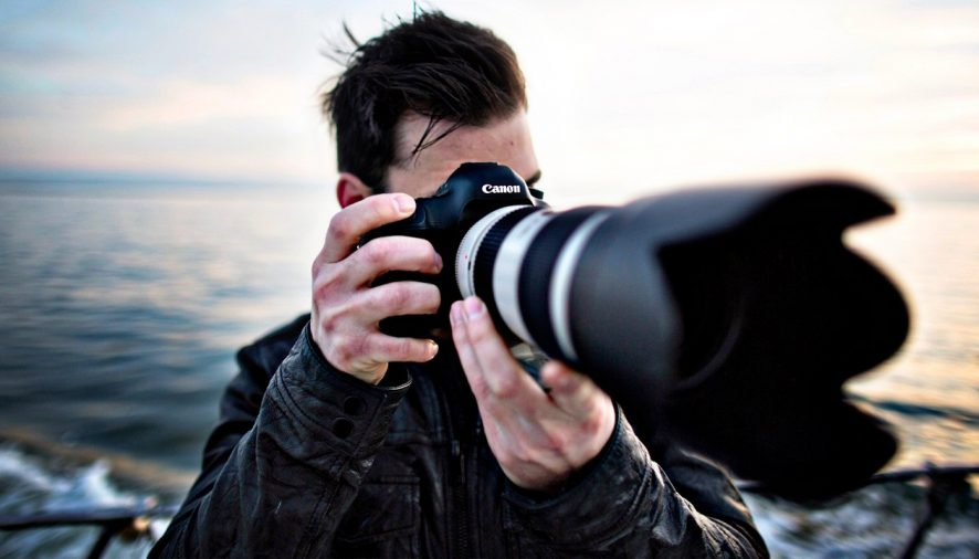 Skills that are necessary for a photographer