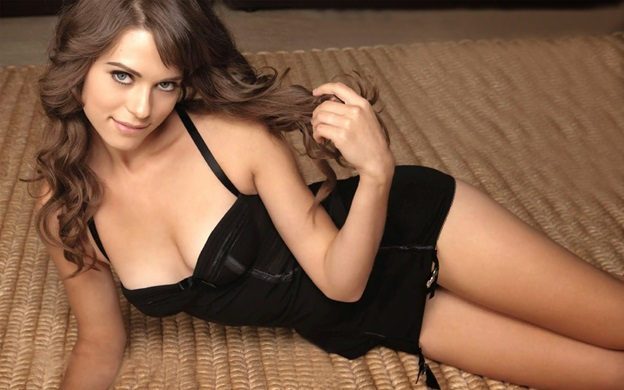 Amuse Yourself By Hiring Professional Perth Escorts Anytime