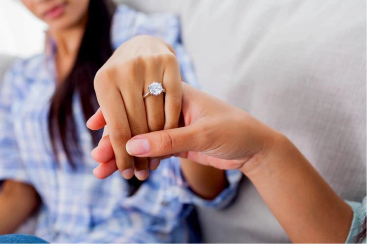 6 Tips to Find the Perfect Engagement Ring