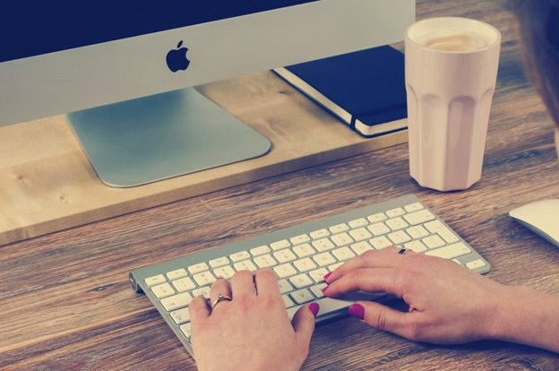 How Mac Keyboard Shortcuts Differ From Those on a PC